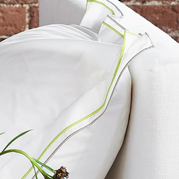 Designers Guild Kussensloop Astor Pale Grey & Lime